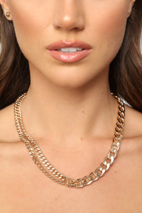 Size Don't Matter Necklace - Gold