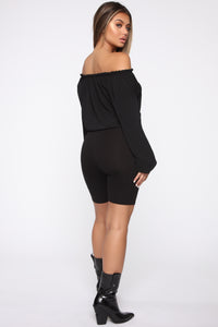 Lady in Waiting Top - Black