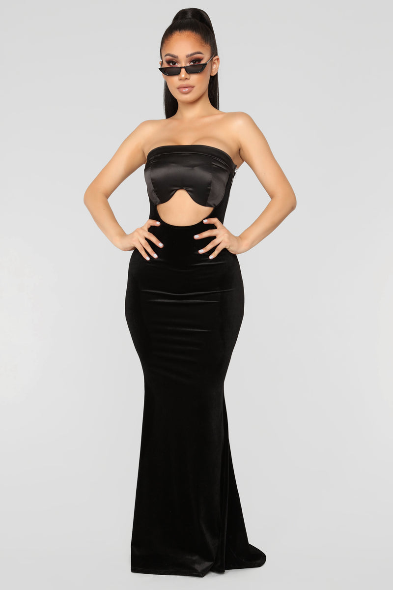 Gala Queen Dress - Black