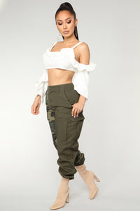 Split Personality Cargo Pants - Olive