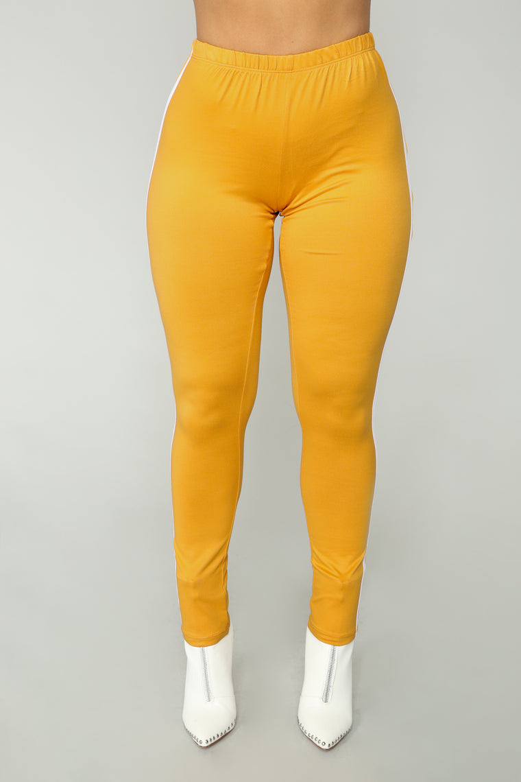 Knock Out Leggings - Mustard