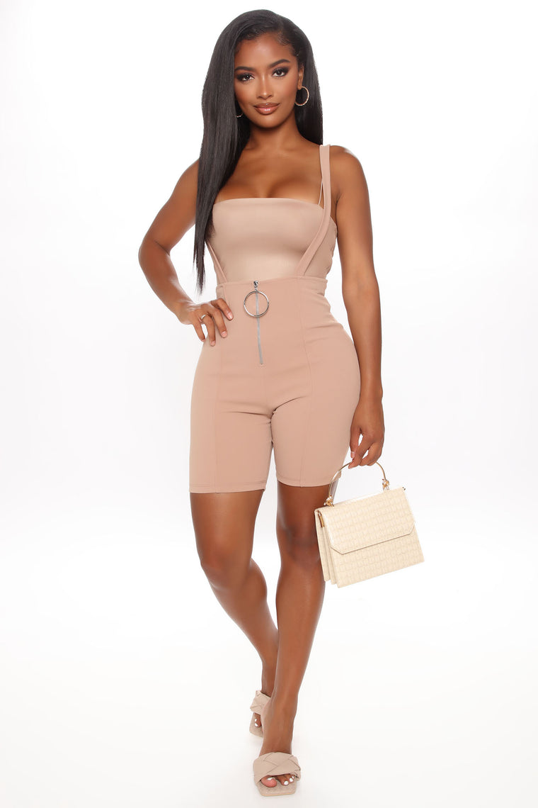 Jump In The Ring Zipper Short - Taupe