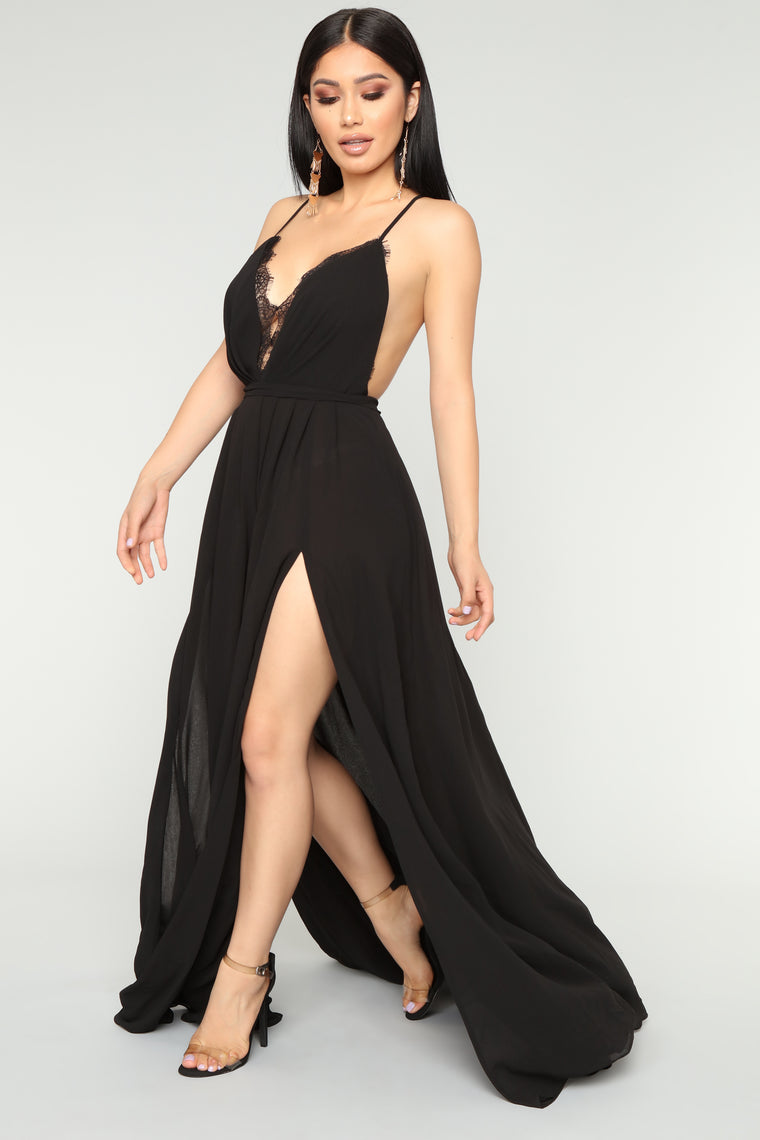 Off The Runway Maxi Dress - Black