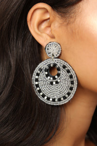 Bead The One Earrings - Black