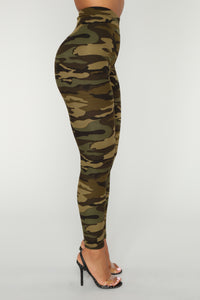 Hidden Intentions Leggings - Camo