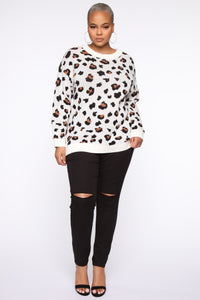 Fuzzy Leopard Sweater - Multi Color Angle 7