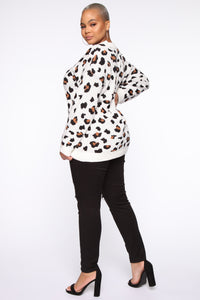 Fuzzy Leopard Sweater - Multi Color Angle 9
