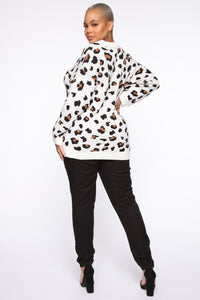 Fuzzy Leopard Sweater - Multi Color Angle 10