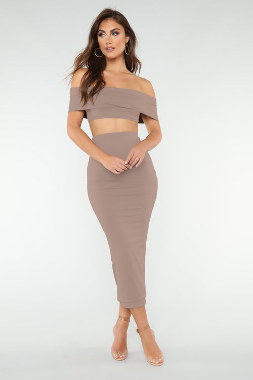 Not Welcome Off Shoulder Set - Mocha