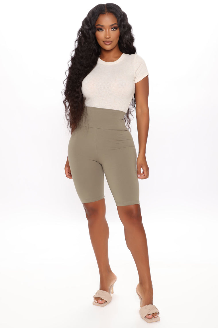 Signature Sculpting Biker Shorts - Olive