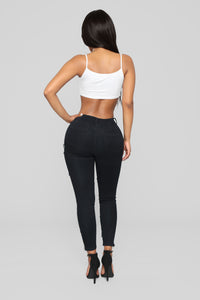 Bit Of A Misfit Ankle Jeans - Black