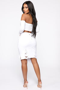 Live 2 Luv Distressed Mini Pencil Skirt - White Angle 2