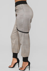 Get To The Business Plaid Pants - Brown