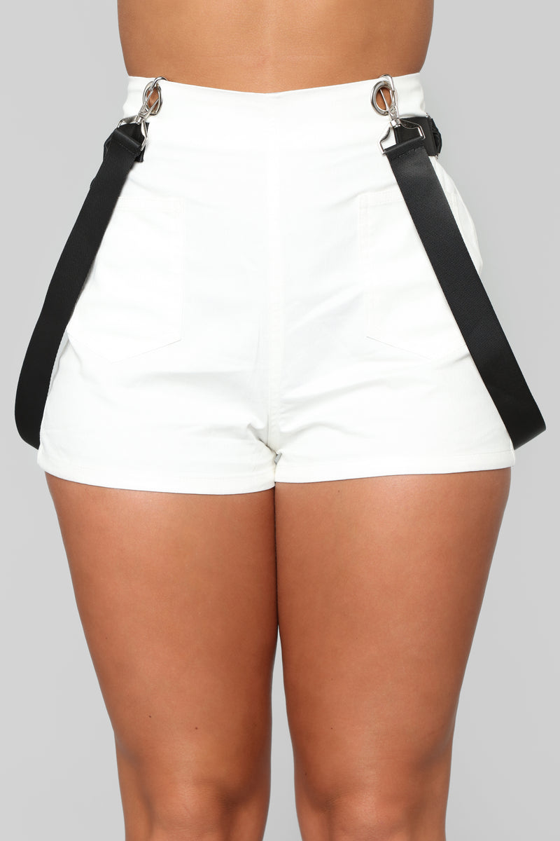 Keep It Chill Shorts - White