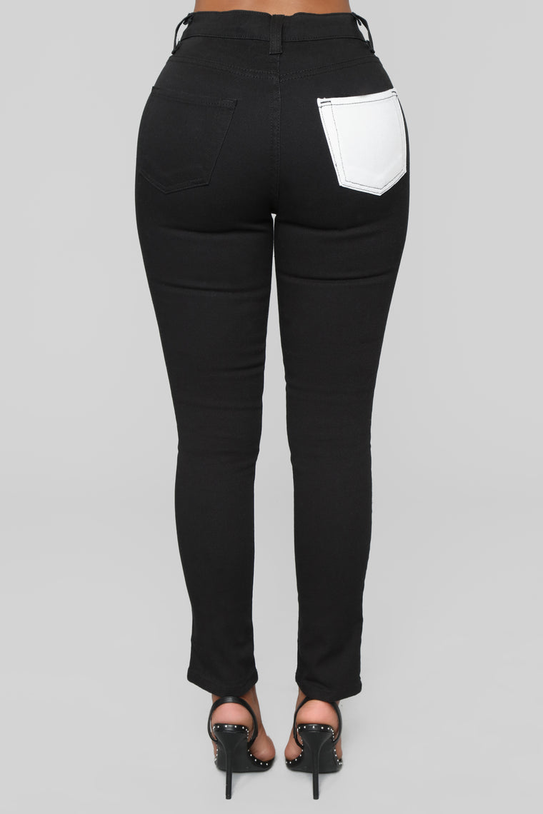 Never Getting Older Ankle Jeans - Black/White