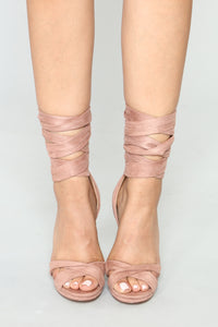 So To Tie For Heels - Mauve