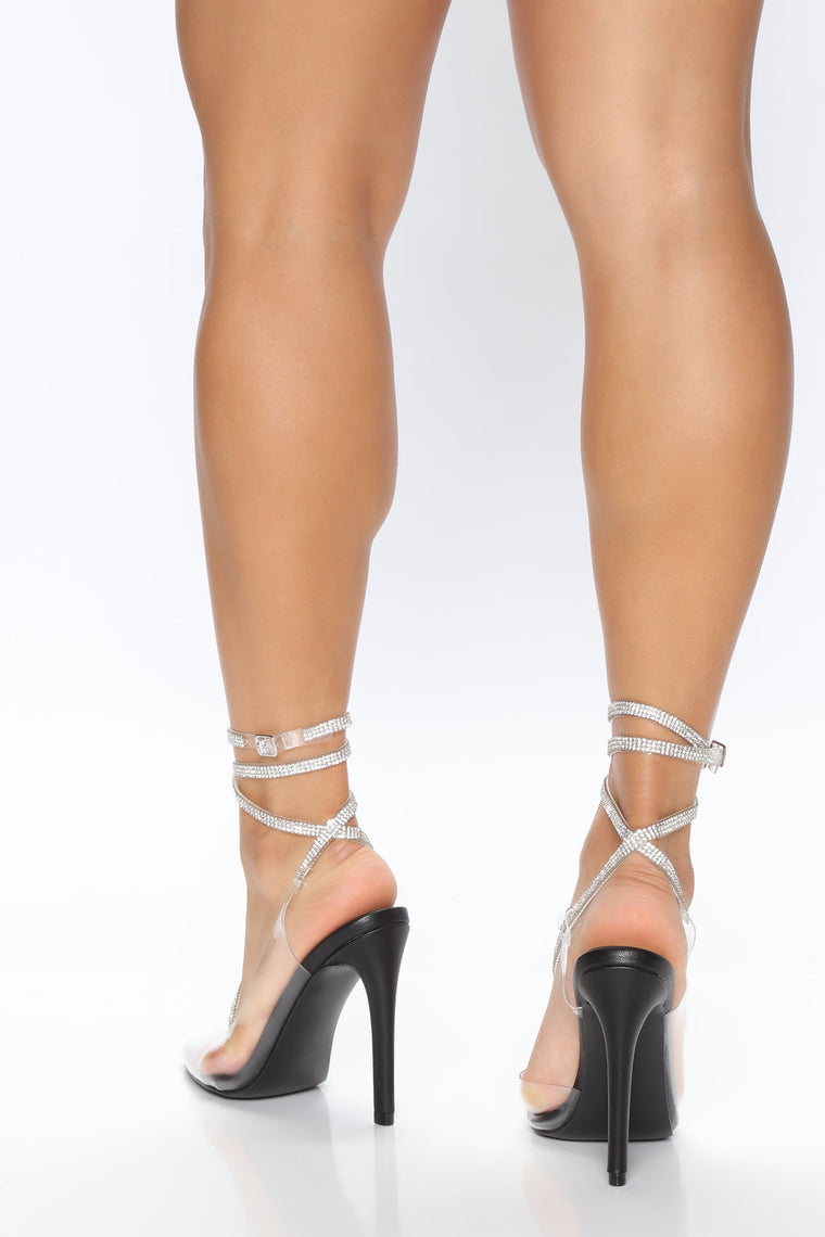 Popular Demand Rhinestone Pump - Black