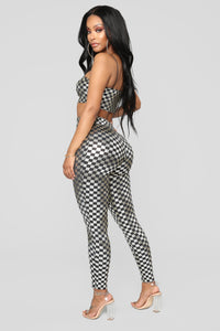 Off To The Races Checkered Set - Silver Angle 3