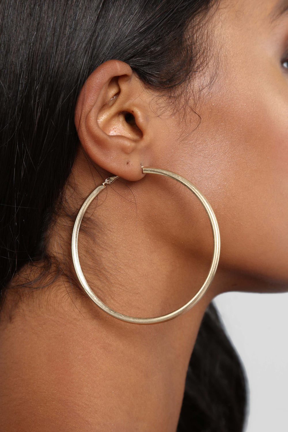 Middle Ground Hoop Earrings - Gold
