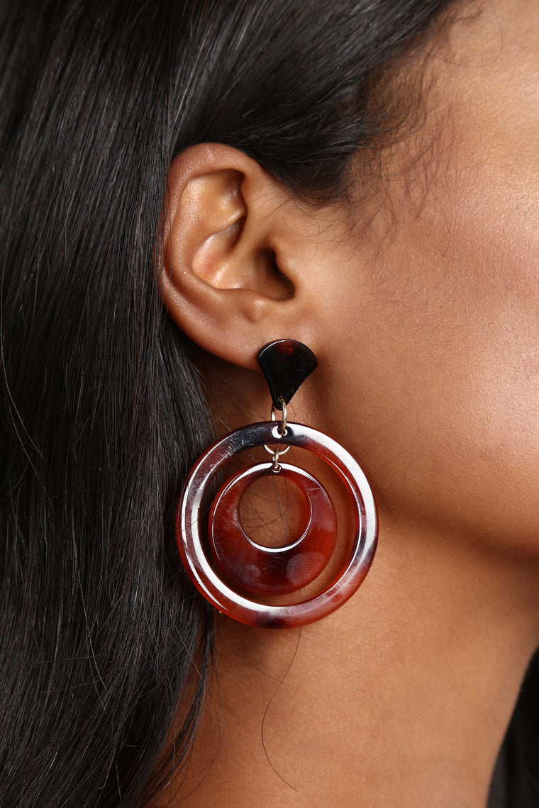 Circular Motion Earrings - Burgundy
