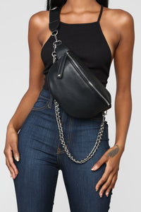 Chain In Personality Fanny Pack - Black