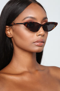 Zaneya Cat Eye Sunglasses - Tortoise
