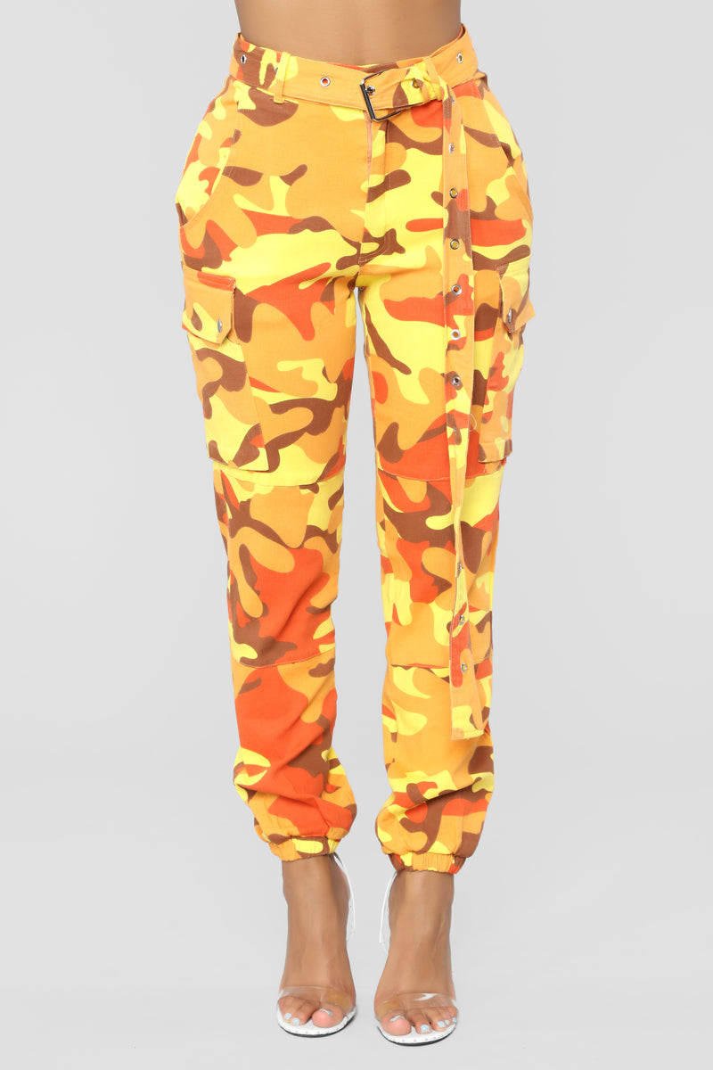 Determined Cargo Pants - Yellow