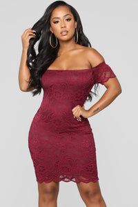 Friendzone Lace Dress - Burgundy