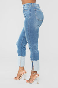 Cuffing Season Mom Jeans - Medium Blue Wash
