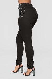 Wrapped Up Chains Skinny Jeans - Black