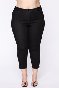 Chelsea High Rise Mom Jeans - Black Angle 8