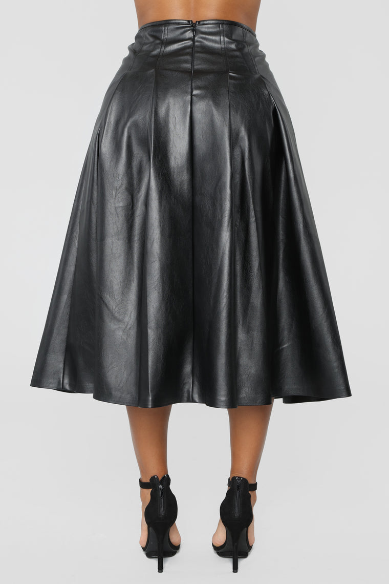Circle Back To You Skirt - Black