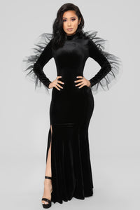 Queen Rexha Velvet Dress - Black