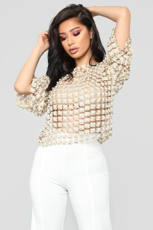 Evening Getaway Pearl Top - Gold