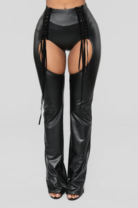 Alessandra Cut Out Pants - Black