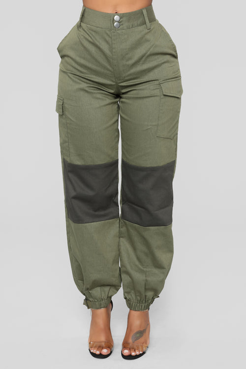Carry The Teams Weight Cargo Pants - Olive