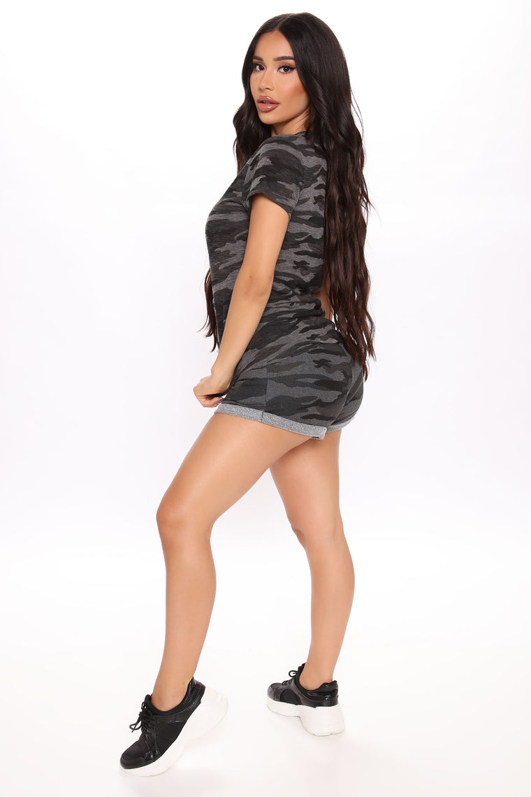 Strong And Cozy 2 Piece Short Set - Charcoal/combo