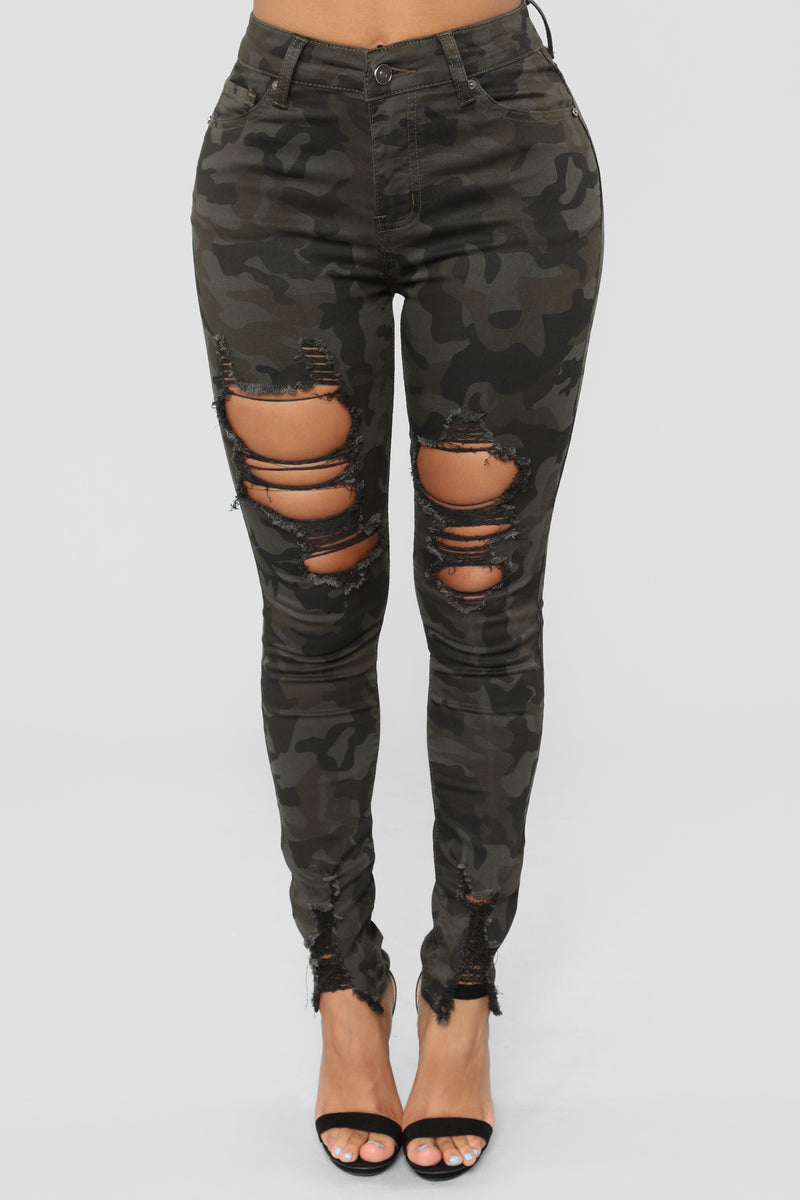 Above The Ranks Distressed Jeans - Camo