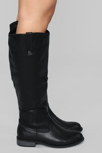 Not Far From Home Flat Boot - Black