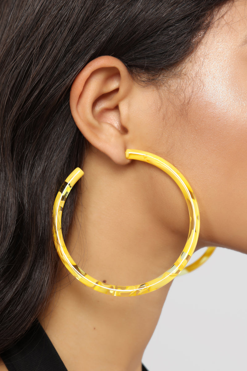 Lucite Are You On Earrings - Yellow