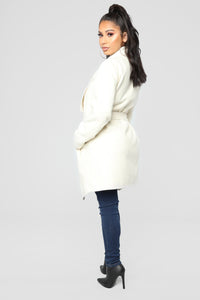 Manhattan Coat - Ivory Angle 3