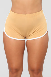 Conquering Mountains Shorts - Mustard
