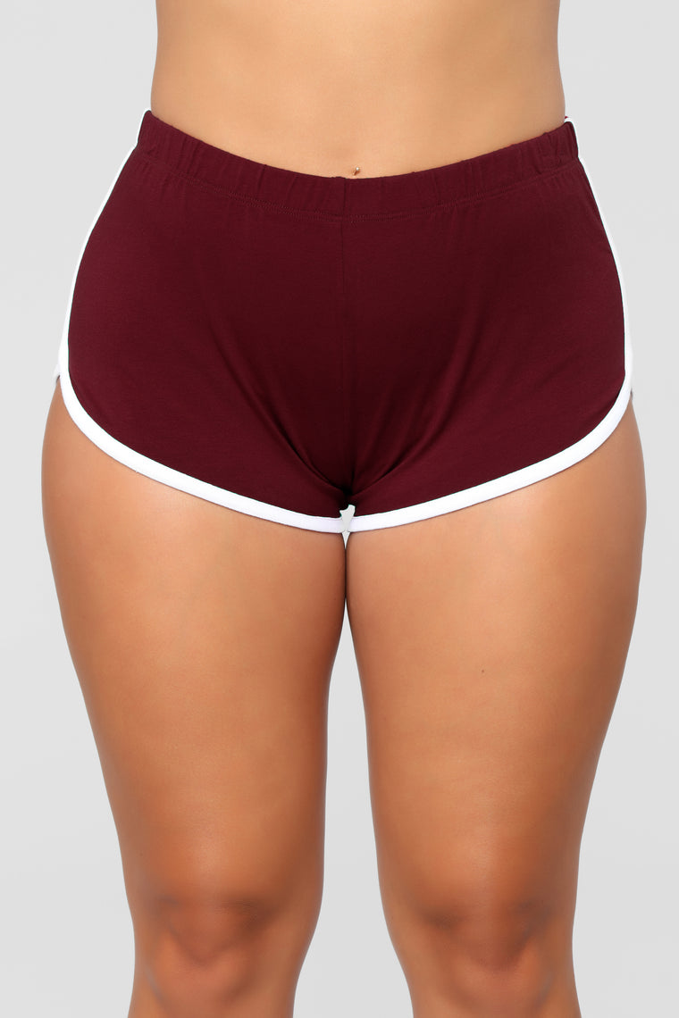 Conquering Mountains Shorts - Burgundy