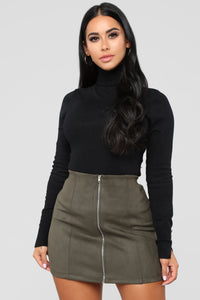 Benson Turtle Neck Sweater - Black