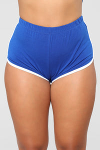 Conquering Mountains Shorts - Royal