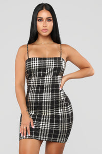 Total Betty Plaid Dress - Black/Gold Angle 3