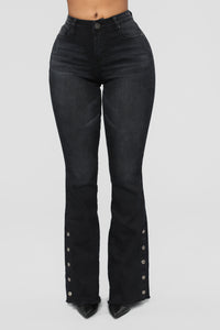 Beatriz Snap Flare Jeans - Black