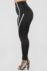Feeling Stronger Leggings - Black/White