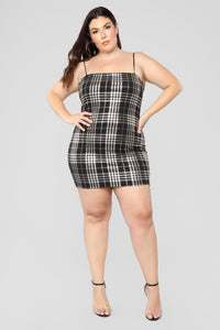 Total Betty Plaid Dress - Black/Gold Angle 5