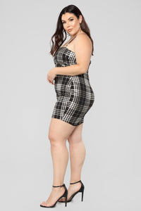 Total Betty Plaid Dress - Black/Gold Angle 7